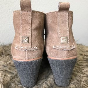 Sperry Wedges | Tan Suede | Size 8